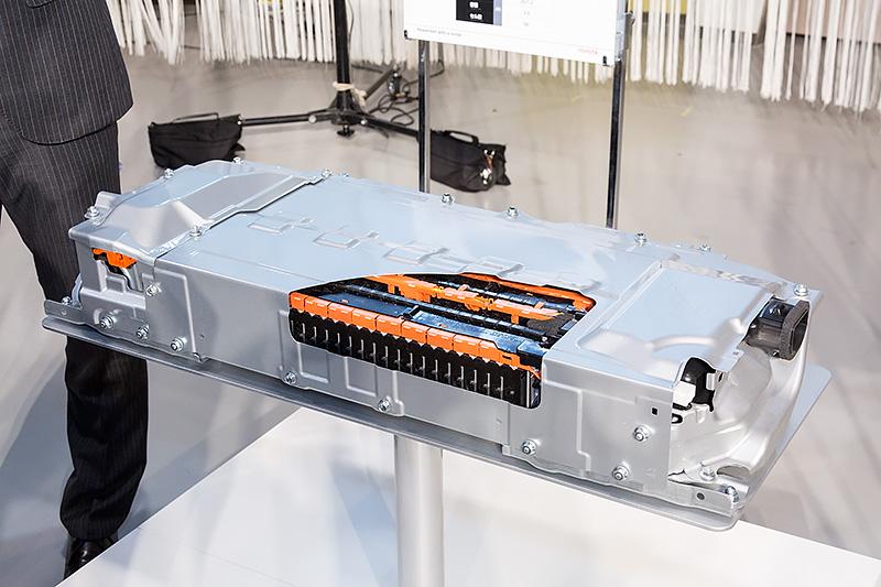 リチウムイオンバッテリーカットモデル