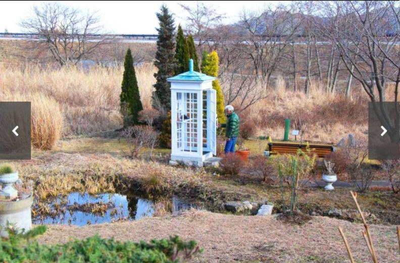 風の電話ボックス
